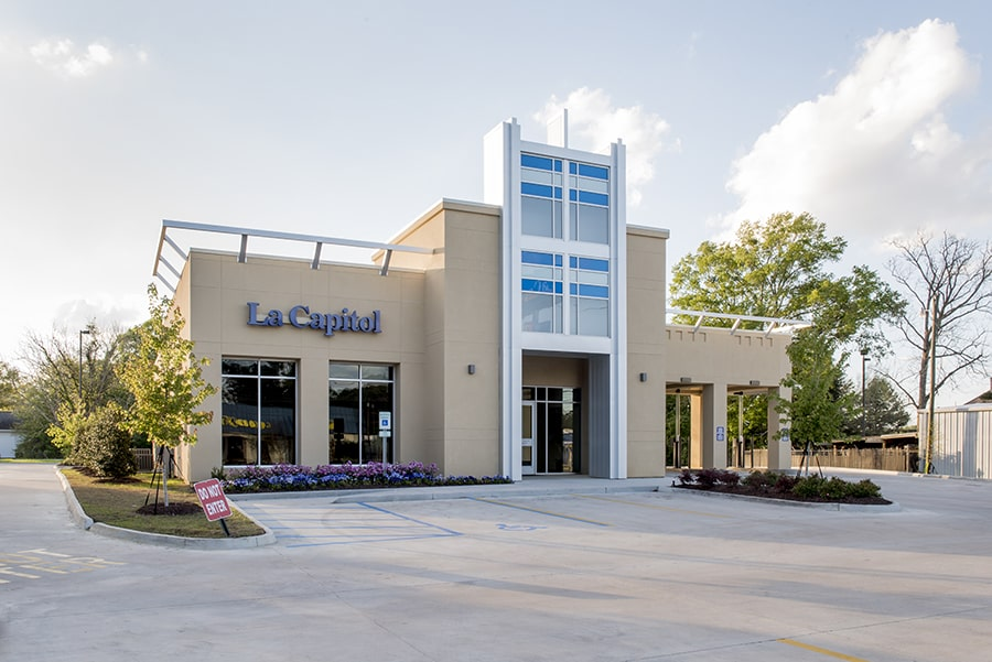 exterior photo of la capitol bank