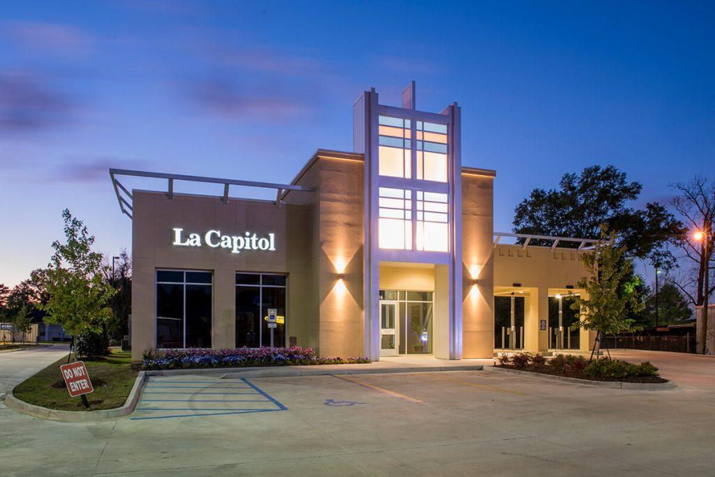 exterior photo of la capitol bank
